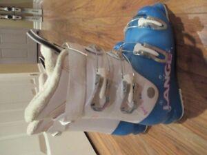 Girl's Lange Ski Boots 24.5