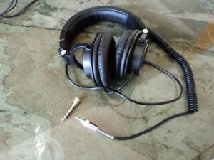Audio-Technica ATH-M50 Professional Headphones