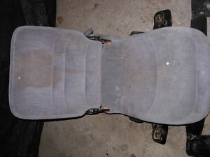 Light Grey Center JUMP SEAT 80 to 96 F150 F250 F350 Bronco Cambridge Kitchener Area image 2