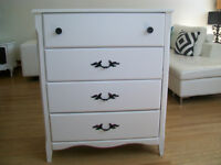 GORGEOUS WHITE DRESSER *** CAN DELIVER
