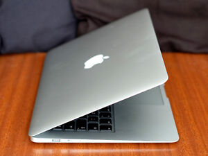 MAC AIR - AMAZING CONDITION - LAPTOP