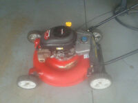 Lawnmower - Yard Machine 6.5HP