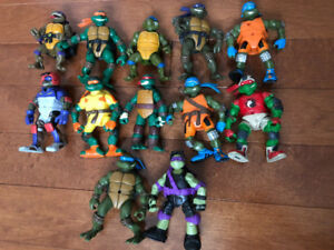 FORTY TEENAGE MUTANT NINJA TURTLES TMNT LEFT, VEHICLES TOO