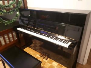 Piano Yamaha LU201C made in Japan. Transport et accordage inclus