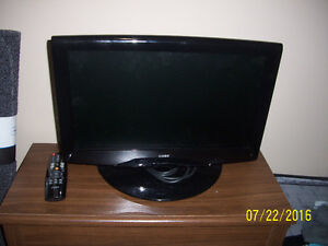 Coby 19-Inch LCD TV with remote!   Great shape hdmi Ready.
