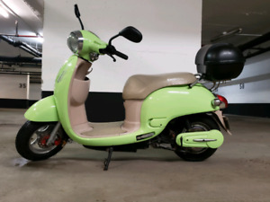Motorino electric scooter/ebike with new batteries