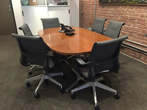 Herman Miller Boardroom Table & Chairs (6)