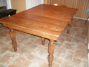 Antique Maple harvest dining table with leaves Cornwall Ontario image 2