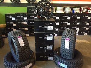 "Jeep Wrangler (32.5"") Off Road Rim & Tire Package"