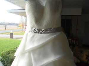 Designer Wedding Dress Belleville Belleville Area image 4