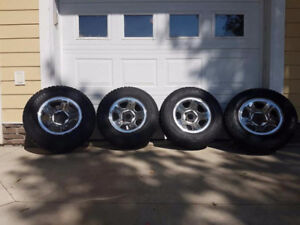 265/70R17 Winter Tires w Rims