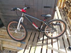 "26"" wheels adult/junior age 12+ wheelie/jump dirt bike £120 ONO"