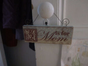 M is for Mom sign