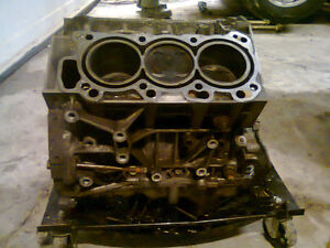 2006 Saturn Vue 3.5 V-tech block and oil pan.