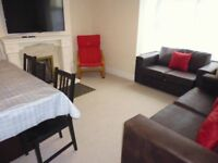 LOCATION, LOCATION!! 1 double bedroom to rent in the popular Chessels area