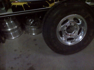 DODGE RAM 2500 Aluminum wheels