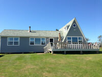 4 Bdrm PEI Beachfront Cottage for Rent! Save $200/wk early July!