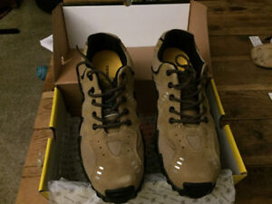 REDUCED PRICE - BRAND NEW TERRA MEN'S WORK SHOES