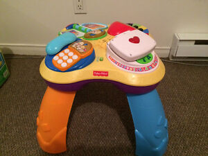Table d'activités musicale Fisher Price