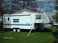 Lightweight fifth wheel - Great for a first RV
