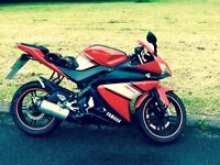 BEAUTIFUL YZF125r low miles just serviced must see not dt,yz,aprilia,Ktm)