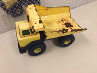Vintage Tonka Toy Needs to be restored. Fun little project.   O