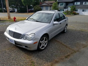 2002 Mercedes c240 Classic ... super low KM's