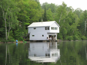 2 BEDROOM WATERFRONT COTTAGES IN BANCROFT, ON