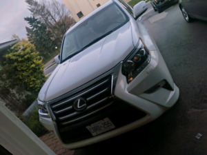 Lexus GX460 2014 Ultra premium executive trim.