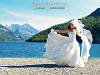 Build your own wedding photography package, starting at $1700!
