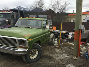 1979 Ford F-150 Short Box Lariat Pickup Truck
