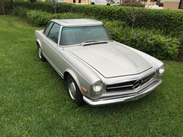 1969 Mercedes Benz 280SL Automatic with A/C Factory Fenders