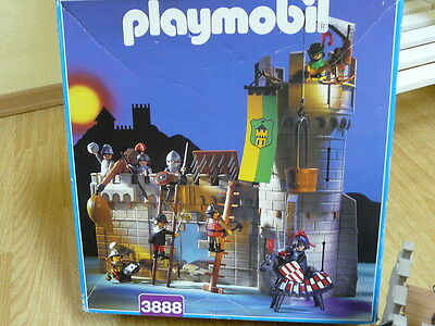 Playmobil Ritterburg 3888 mit viel Zubehör in original Verpackung