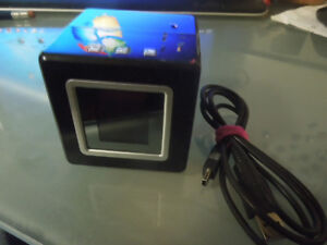 Digital Picture Display Cube