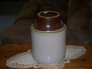 ANTIQUE STONEWARE JUG Kawartha Lakes Peterborough Area image 1