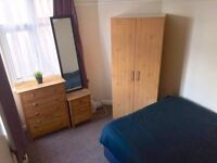 SPACIOUS AND BRIGHT DOUBLE BEDROOM /ALL INC. N22