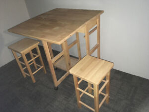 Table and stolls
