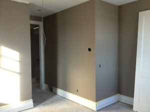 PAINTER HIGHLY EXPERIENCED PROFESSIONAL _____ & ______ AVAILABLE North Shore Greater Vancouver Area image 1