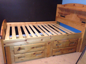 Solid Wood double/full bed