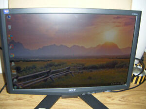 19 Inch Acer Widescreen Monitor