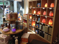Essential oils & wellness store looking for experienced health p
