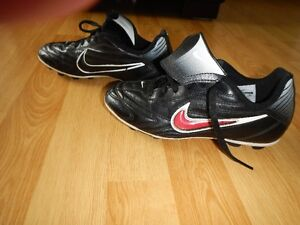 Nike soccer cleats size 1Y