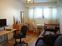 Bachelor 1 1/2 for rent in duplex, ville St-Laurent.