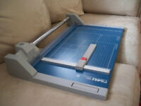 """Dahle 550 Professional Rolling Trimmer (PAPER CUTTER) (14-1/8"""")"""