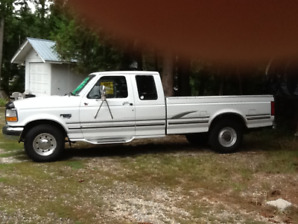 1995 Ford F-250 3/4 Ton 2WD  Ext cab (Low mileage )