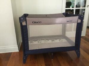 Parc GRACO bassinette/ PARFAITE CONDITION !!