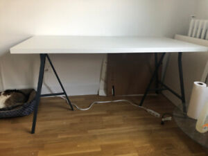 IKEA LINNMON Tabletop white + pair of LERBERG Trestle in gray