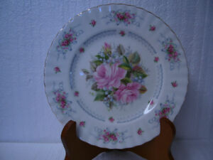 "Vintage Royal Albert ""Happy Birthday"" Plate"