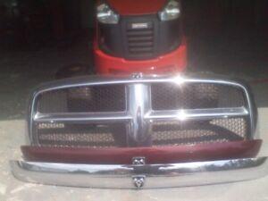 2004 Dodge Ram Front Grill/Bug Defletors