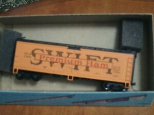 HO scale Swift Premium Ham box car